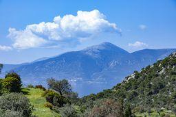 Blick nach Westen auf den Gipfel Ortholithi. (c) Tobias Schorr