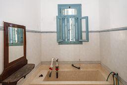 Eine Badewanne im Schwefelheilbad. (c) Tobias Schorr