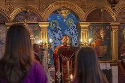 Eine Überraschung war für uns, dass der Pfarrer Nikos aus Vathy den Gottesdienst für uns auf deutsch hielt. Eine sehr nette Geste, die man sich von viel mehr Religionsvertretern  wünschen würde! (c) Tobias Schorr
