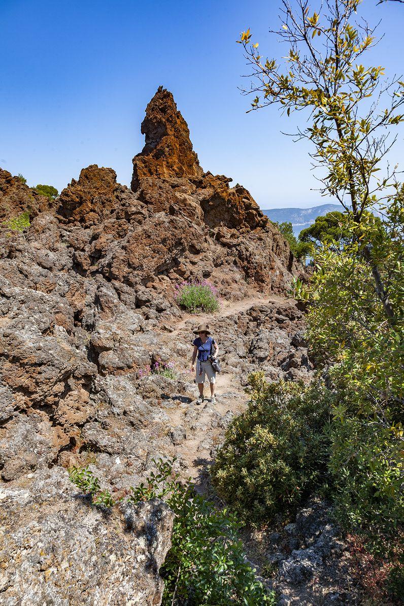 Einer der Felsen des Lavastroms von Kameni Chora. (c) Tobias Schorr