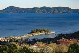 Das Inselchen Nisaki in Methana. (c) Tobias Schorr