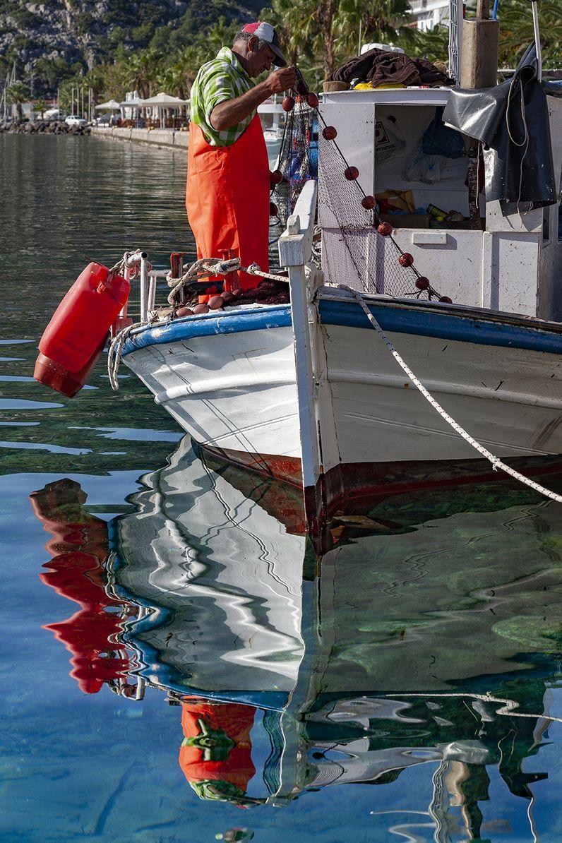 Fischerboot am Hafen von Methana. (c) Tobias Schorr