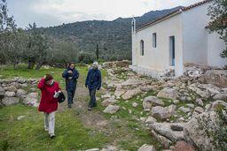 Die Gruppe bei den Ausgrabungen an der Kapelle Agios Konstaninos&Elenis. (c) Tobias Schorr