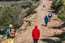 Die Gruppe auf dem Weg zur Loutesa-Hochebene. (c) Tobias Schorr