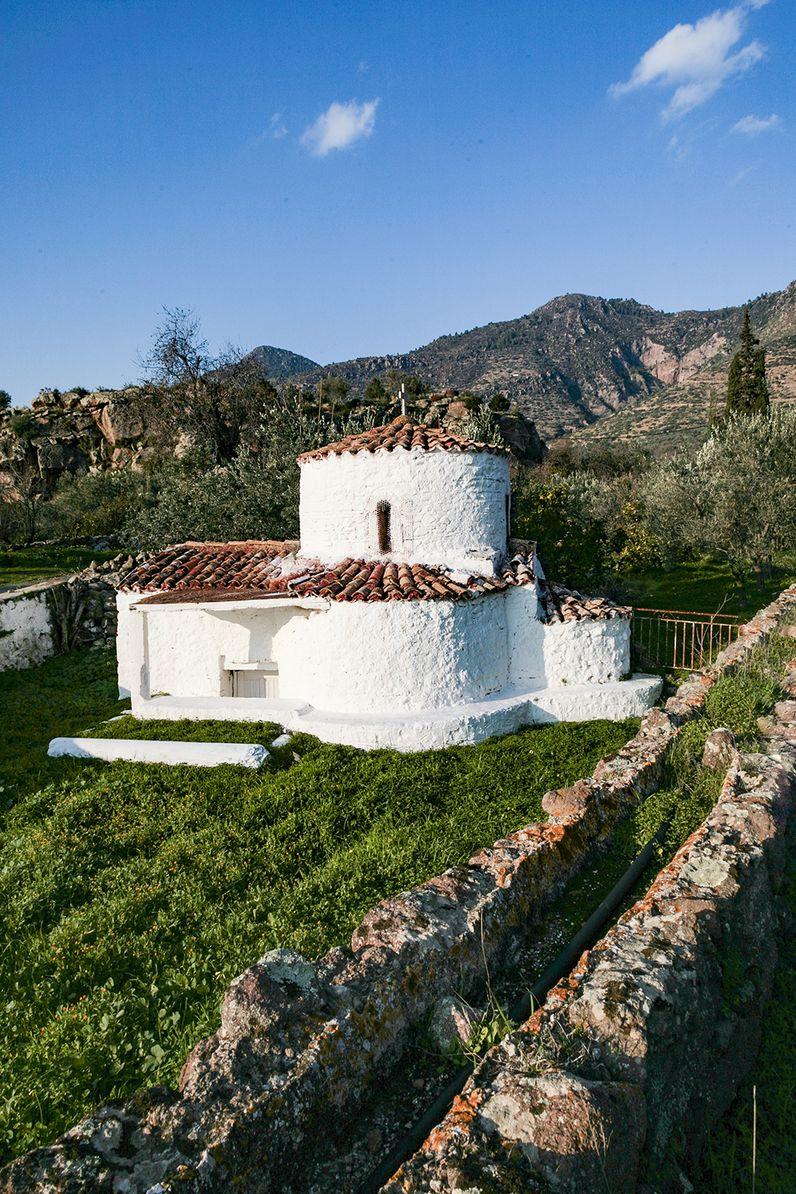 Die Kapelle Agios Nikolaos bei Vathy wurde auf antiken Mauern erbaut. (c) Tobias Schorr