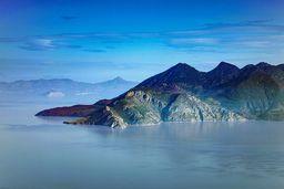 Blick auf das Nordwest-Kap von Methana mit dem historischen Vulkan. (c) Tobias Schorr