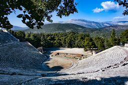 Das berühmte Theater des Asklepios-Heiligtums von Epidaurus. (c) Tobias Schorr