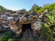 Vielleicht ein antikes oder vorgeschichtliches Grab?
