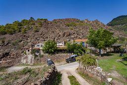 Blick auf den historischen Lavadom und die Taverne Inotherapevtirio. (c) Tobias Schorr