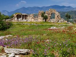 Blick auf die Ruine der Episkopi-Kirche. (c) Tobias Schorr