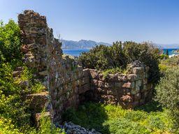 Eingangsbereich der alten Festung Paliokastro. (c) Tobias Schorr