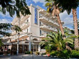Das Hotel Saronis