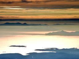 Abflug von Athen und Blick auf den Saronischen Golf