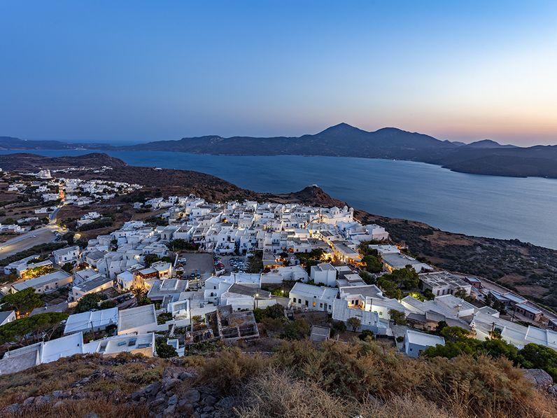 Blick auf die Bucht von Milos. (c) Tobias Schorr