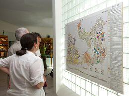 Die geologische Karte der Insel Milos (c) Tobias Schorr
