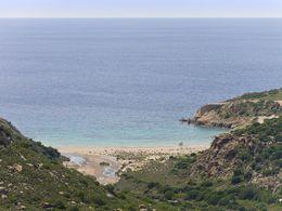 Blick auf die Angathia-Bucht in West-Milos. (c) Tobias Schorr