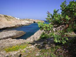 Kleiner Fjord an der Nordlüste der Insel Milos. (c) Tobias Schorr