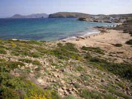 Die Nordküste von Milos eignet sich für ausgedehnte Wanderungen. (c) Tobias Schorr