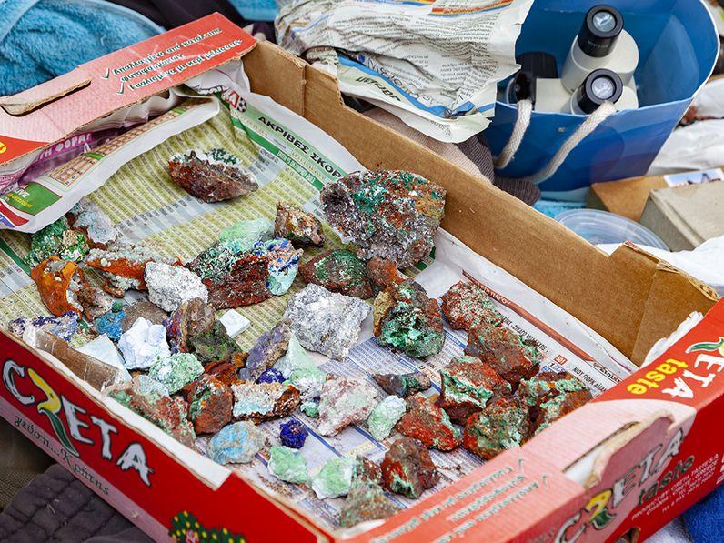 Eine Schatzkiste aus Laurion. Ein Genuß für den, der sich die Mineralien mit der Lupe anschaut! (c) Tobias Schorr 2014