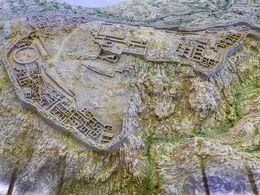 Modell der mykenischen Akropolis