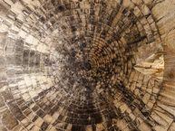 Blick nach oben im Kuppelgrab des Attreus