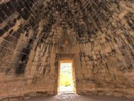 Im größten Kuppelgrab von Mykene
