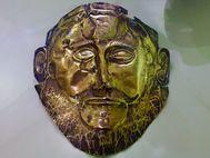 Eine der berühmten Totenmasken aus dem Gräberrund von Mykene