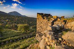 Einer der Türme der antiken Akropolis Paliokastro. (c) Tobias Schorr