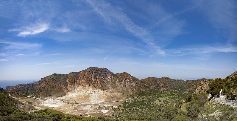 Panorama der Caldera des Nisyros-Vulkans. (c) Tobias Schorr