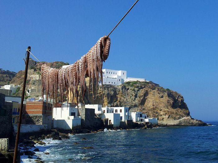 Im Hauptort Mandraki der Insel Nisyros (c) Tobias Schorr