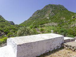 Das ehm. Kloster Agios Joannis im Nymphios-Tal auf Nisyros. (c) Tobias Schorr
