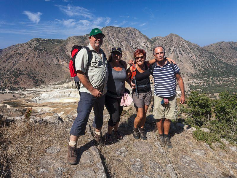 Wandergruppe auf der Insel Nisyros (c) Tobias Schorr