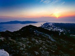 Der berühmte Sonnenuntergang über Oía. (c) Tobias Schorr