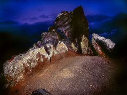 """Einer der schönsten vulkanischen Schlote (""""Vent"""") bei Oía. (c) Tobias Schorr"""