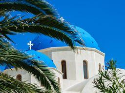 Die Kirche Zoodohos Pigis in Perissa. (c) Tobias Schorr