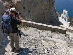 Tom Pfeiffer fotografiert die Kapelle Agios Nikolaos. (c) Tobias Schorr