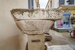 Eine antike, dorische Säule von einem antiken Tempel auf Methana. (c) Tobias Schorr