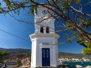 Der Uhr-Turm auf der Insel Poros
