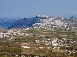 Aussicht vom Kastell in Pyrgos auf die Caldera mit Thirá. (c) Tobias Schorr
