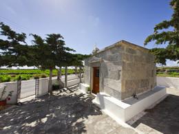 Der antike Tempel, der heute eine christliche Kapelle ist, war leider aus Zeitgründen diesmal nicht im Programm. (c) Tobias Schorr, Mai 2013