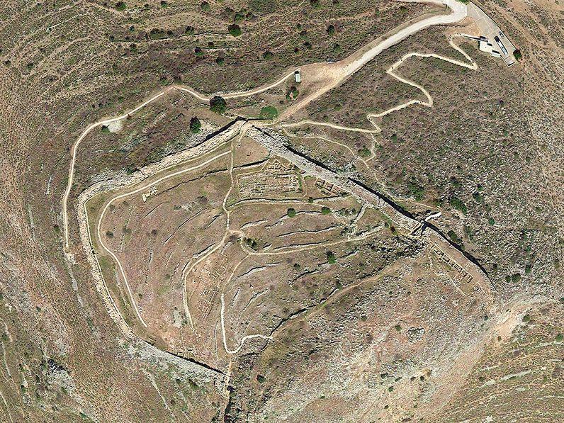 Luftbild der mykenischen Akropolis (c) Google Earth View