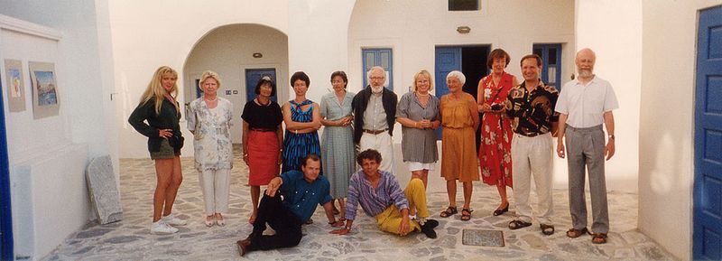 Tobias Schorr with a group on Santorini island