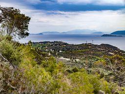 Blick von Sousaki auf den Saronischen Golf. Im Hintergrund kann man schon die Halbinsel Methana erkennen. (c) Tobias Schorr