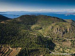 Luftbild der Kaldera Stavrolongos auf Methana. (c) Tobias Schorr