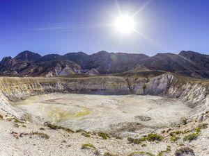 Ο κρατήρας Στέφανος είναι ο προορισμός πολλών επισκεπτών
