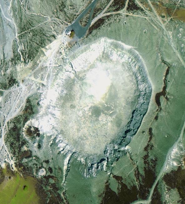 Luftbild des Stefanos-Kraters