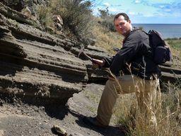 Tobias Schorr führt seit 1997 geologische Wanderreisen auf der Insel Santorin. (c) Thomas Reimers 2007