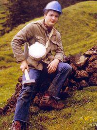 Tobias Schorr an einer antiken Kupfermine 1982 in Kitzbühel/Österreich (c) Heinz Stempel