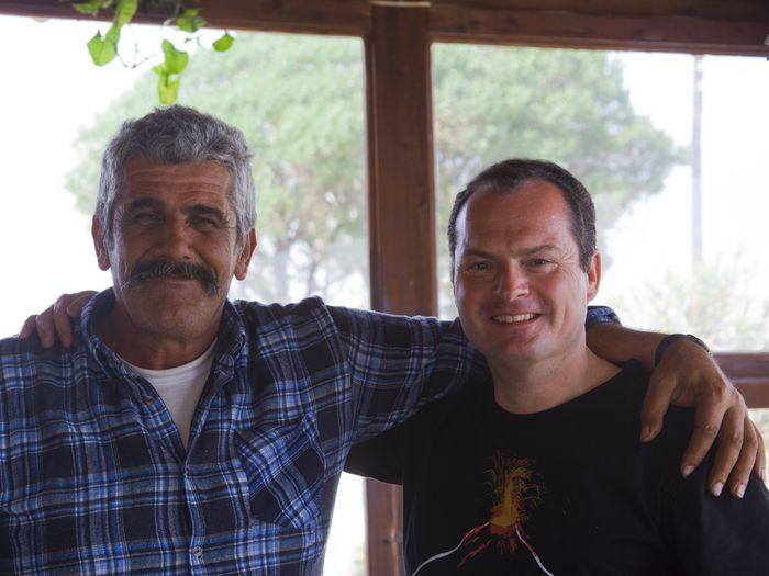 Dimitris und Tobias auf Santorin