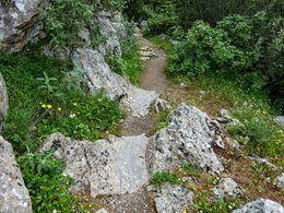 Ein Rest der antiken Wasserleitung in Troizen (c) Tobias Schorr